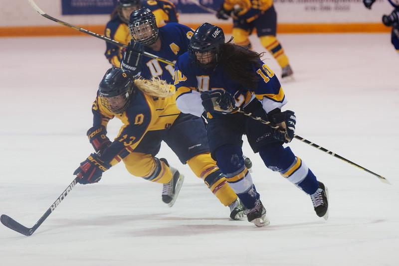 20130310 QWHockeyvsUBC 461.jpg