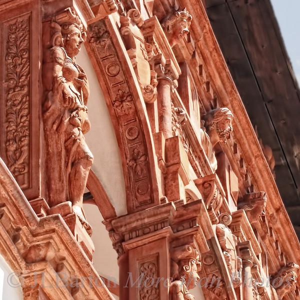 Schloss Schallaburg, terracotta figures from mythology decorate the upper level arcades.
