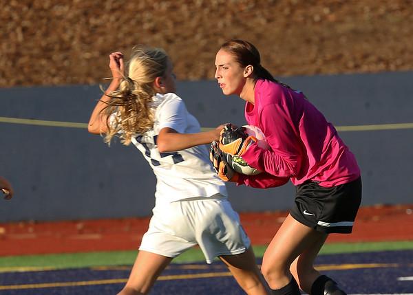 2013 - Soccer Girls LR vs LO