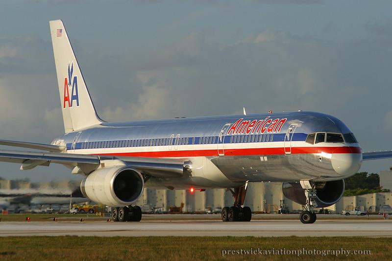 N605AA. Boeing 757-223. American. Miami. 030304.