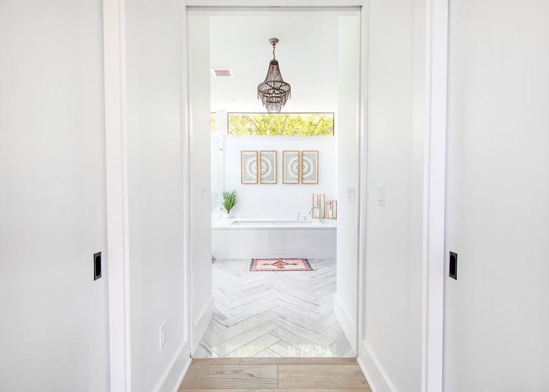 master-bath-hallway.jpeg
