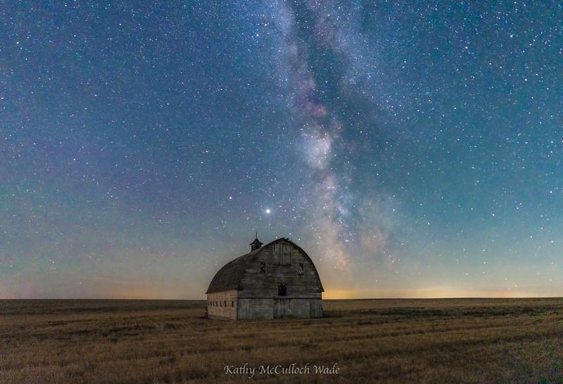 Milky Way rising over barn in Eastern Washington