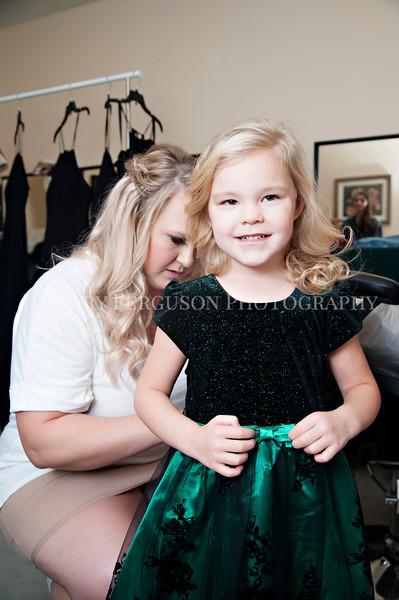Hillary_Ferguson_Photography_Melinda+Derek_Getting_Ready143.jpg