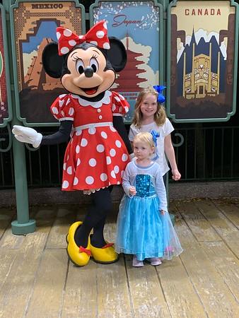 Abby meets Mini