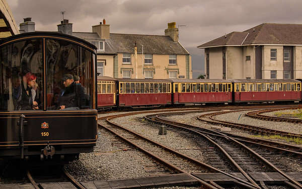 GALLERY 2: Trains