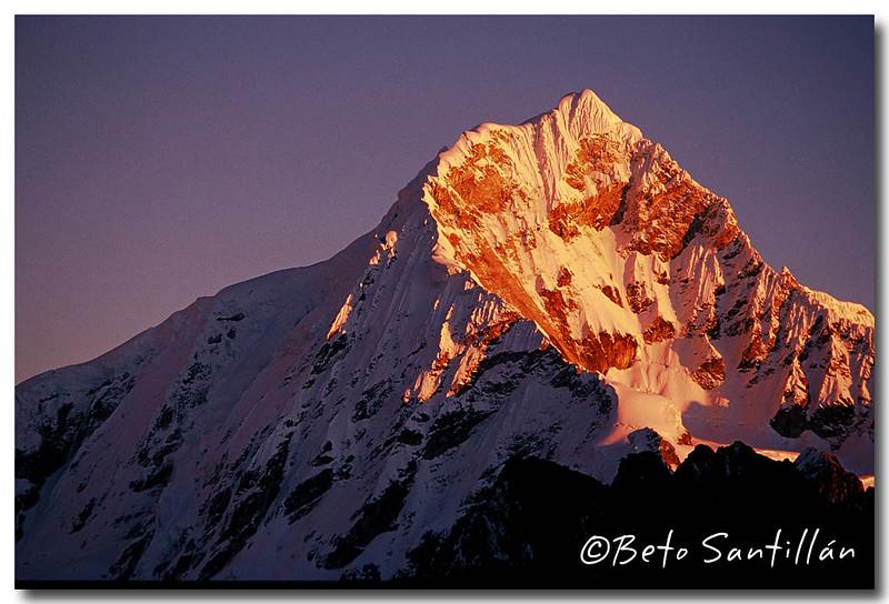 Chopicalqui at Sunrise 002 dx.jpg