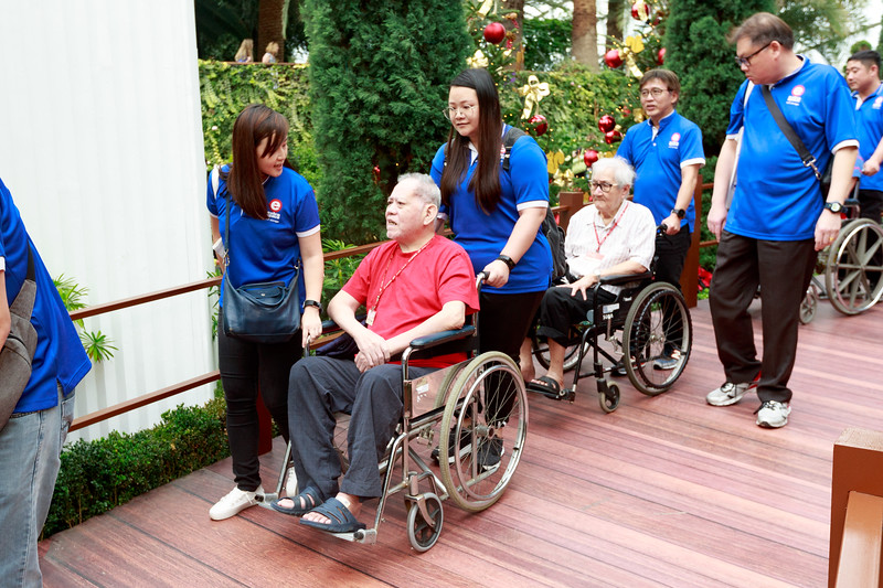 VividSnaps-Extra-Space-Volunteer-Session-with-the-Elderly-035.jpg