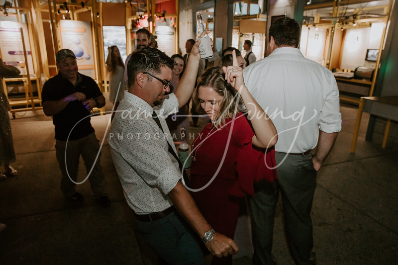 des_and_justin_wedding-2098-4.jpg