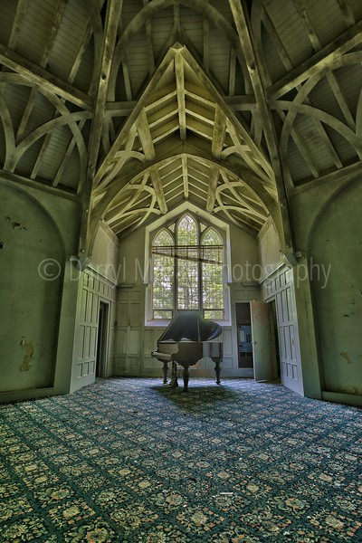 Abandoned Sleepy Hollow Mansion (6)