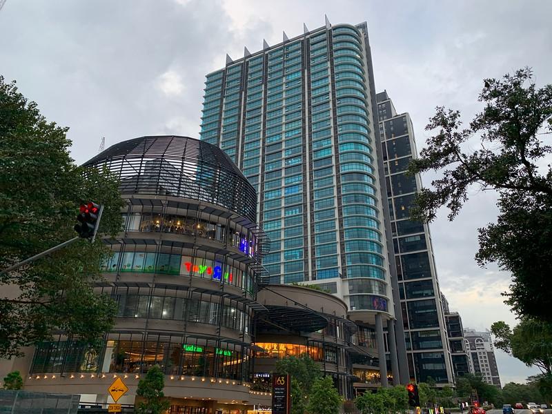 163 Retail Park