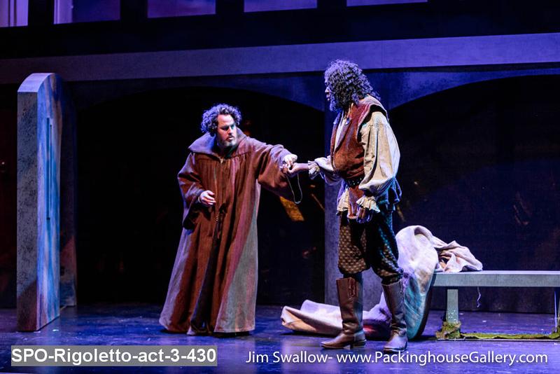 SPO-Rigoletto-act-3-430.jpg