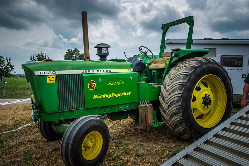 Tractor Pulling 2015 XE2-2486.jpg