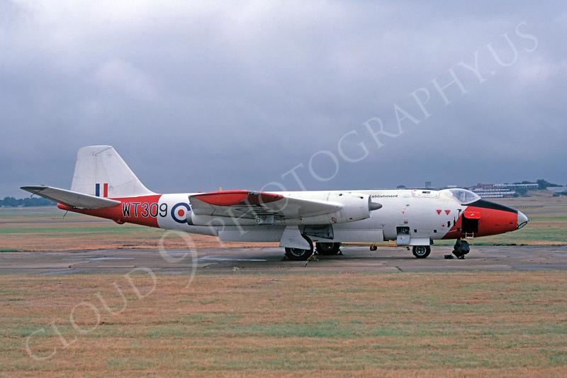English Electric Canberra 00007 English Electric Canberra British RAF WT309 August 1978 by Clive Moggoridge .JPG