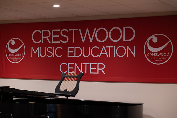 CRESTWOOD HOLIDAY PARTY
