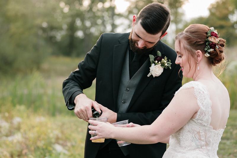 rustic_ohio__fall_barn_wedding-320.jpg