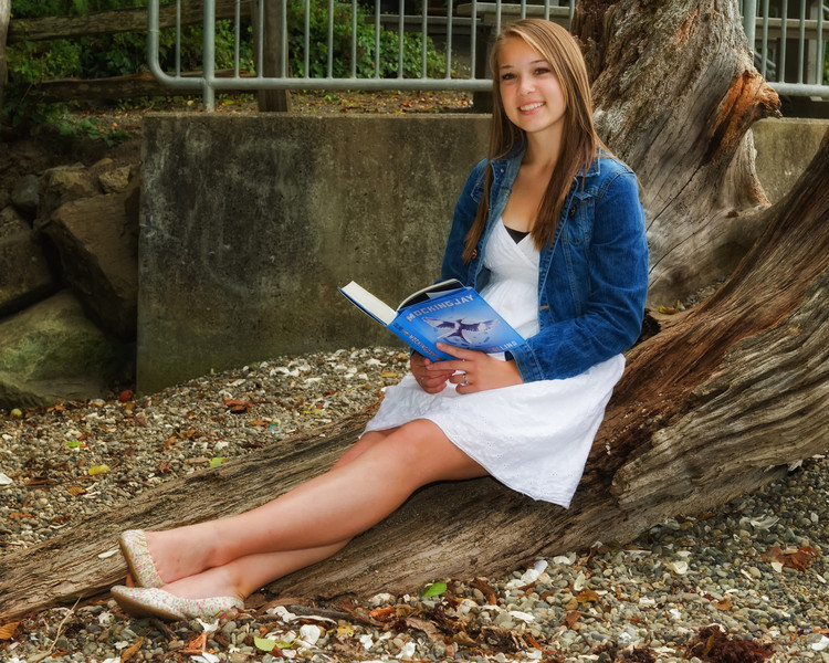 Kendra_Amy_Senior_Portraits_20110921_0693-Edit-Edit.jpg