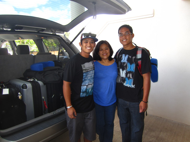 Hawaii - Kevin Leaves for Freshman Year