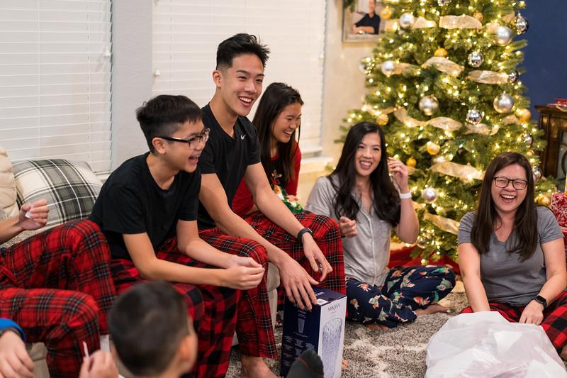 20191225_christmas-ho-family_034.jpg