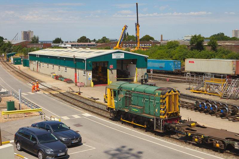 Freightliner 08530 in Southampton