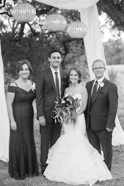 Alexa + Ro Family Portraits-23.jpg