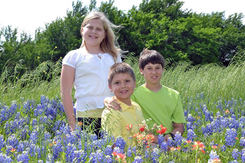 Kids bluebonnets 01.jpg