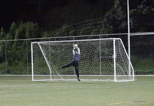 jm20120822 Wgtn Prem 1 girls football final _MG_9124 b