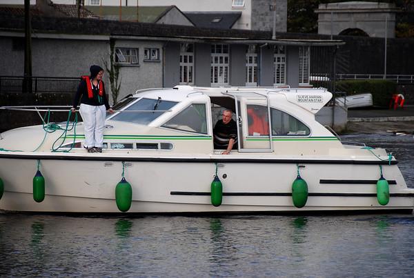 2009-10-25 Seamus, Moya, Sinead and John depart Athlone