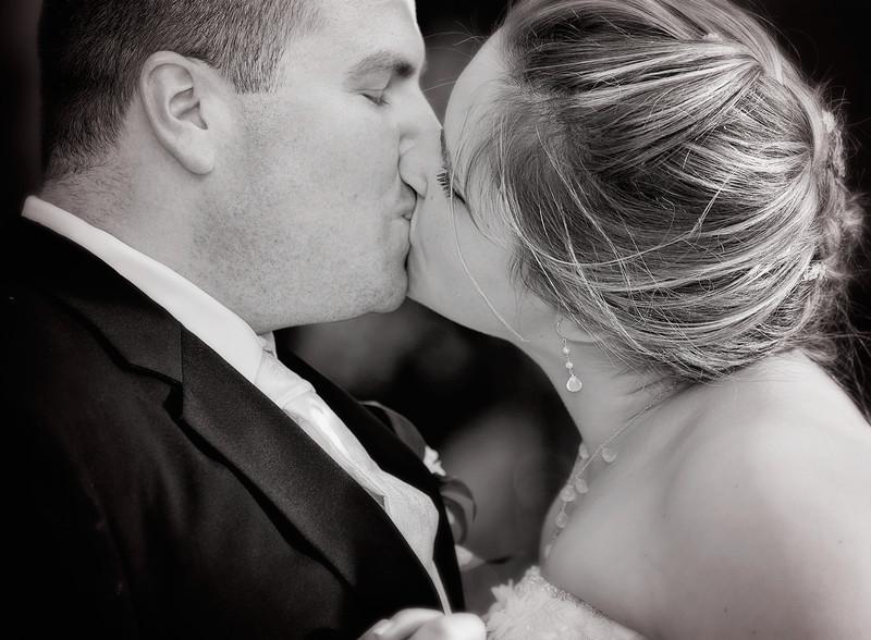 Closeup Dancing Kiss.jpg