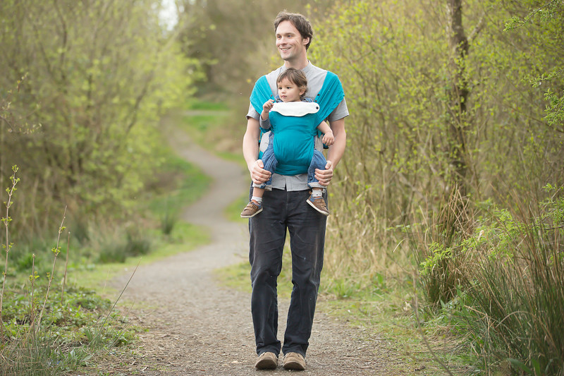 Izmi_Baby_Carrier_Cotton_Teal_Lifestyle_Front_Facing_Carry_Dad_With_Daughter.jpg
