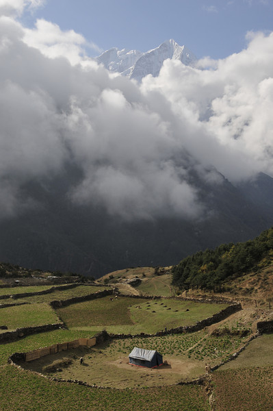 080517 2784 Nepal - Everest Region - 7 days 120 kms trek to 5000 meters _E _I ~R ~L.JPG