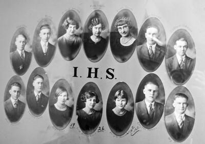 Isabel High School Class Photos