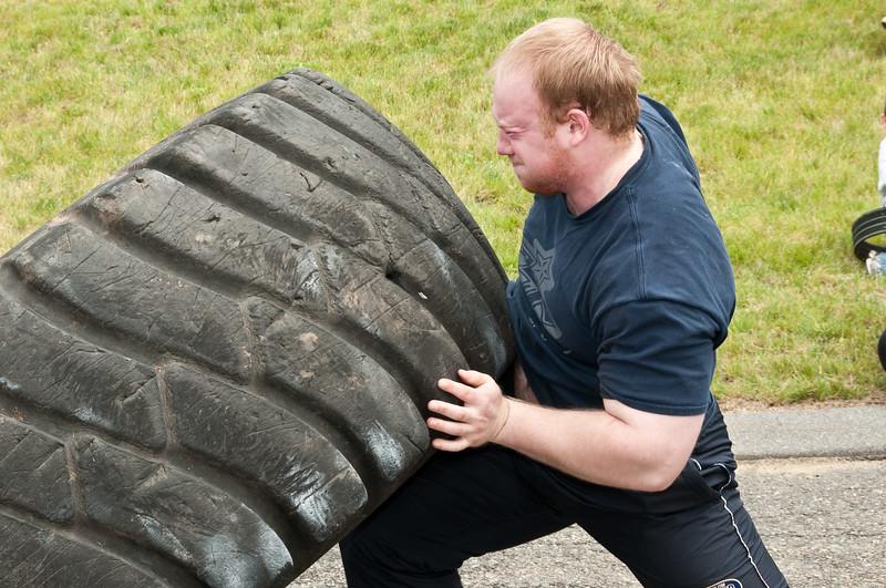 Fitness Revolution Strongman Challenge 2011_ERF4258.jpg