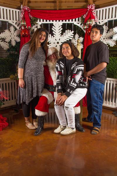 Santa 12-16-17-346.jpg
