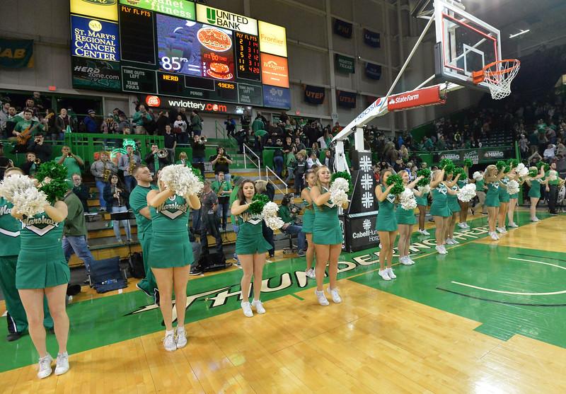 cheerleaders3597.jpg