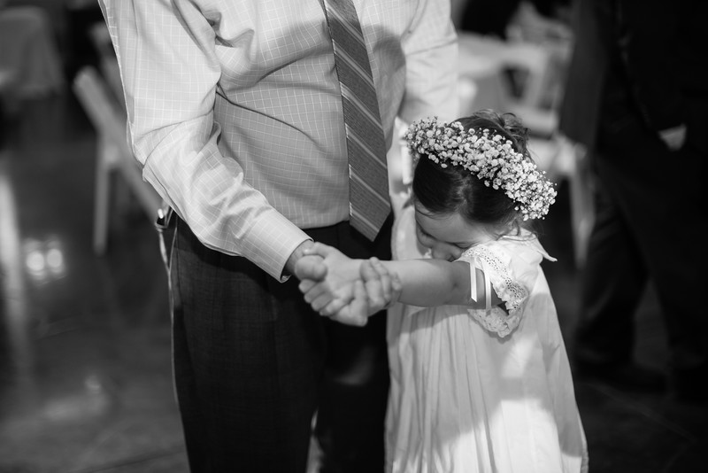 0998_Josh+Lindsey_WeddingBW.jpg