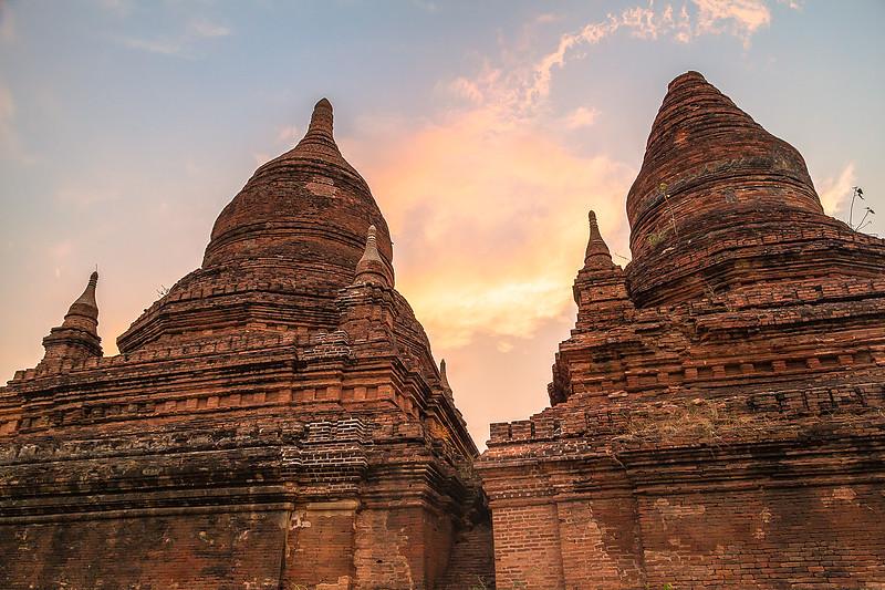 Sunset Bagan TempleIMG_8124.jpg