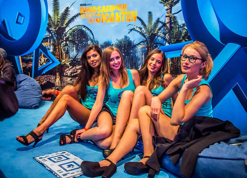Sony girls at Gamescom 2013