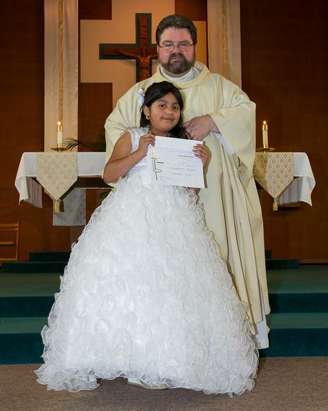 Communion Hispanic-9160-7 8x10.JPG