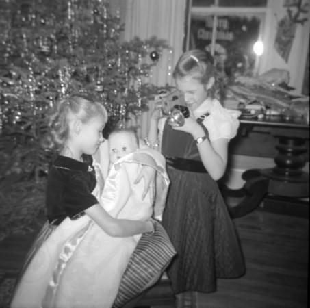 p-Christmas, Trudy & Suzanne.jpg