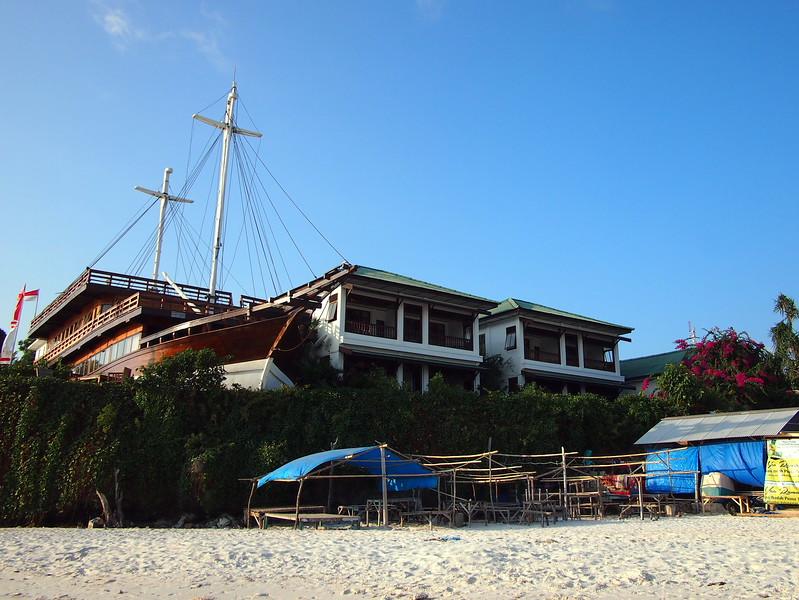 P9099110-anda-beach-hotel.JPG