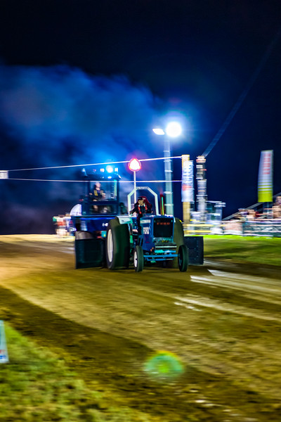 Tractor Pulling 2015-01843.jpg