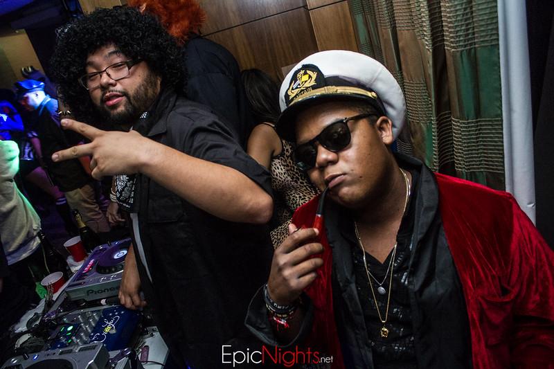 103013 Halloween Suite Party-7116.jpg