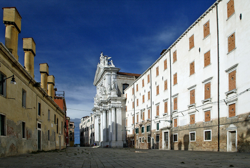 Campo dei Gesuiti (Jesuit square), with the Gesuiti church on the background. Cannaregio quarter, Venice, Italy