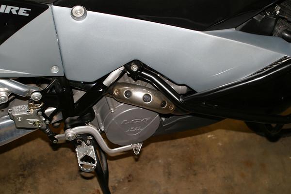 KTM950_06.JPG
