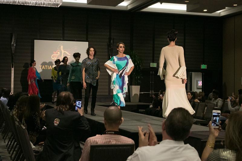 20171014-LAFashionShowcase203.jpg