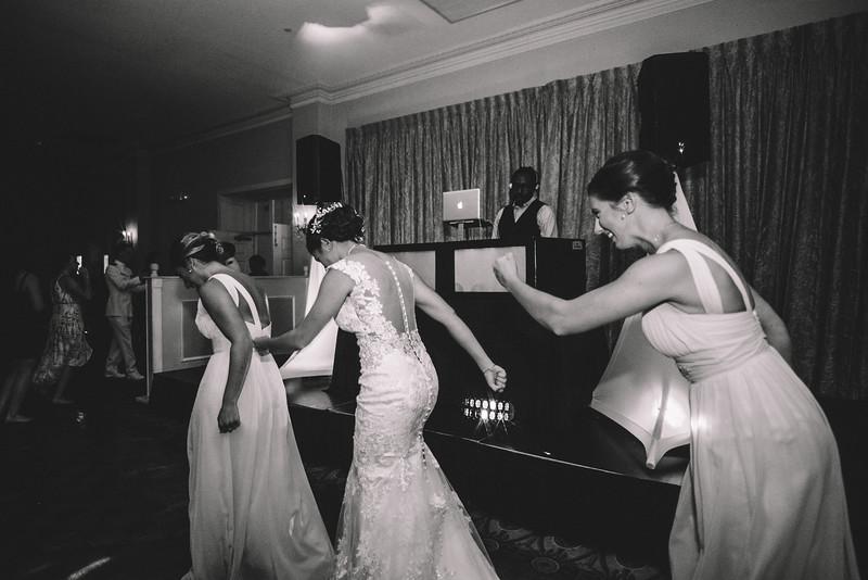 Philadelphia Wedding Photographer - Bernreuther-781.jpg