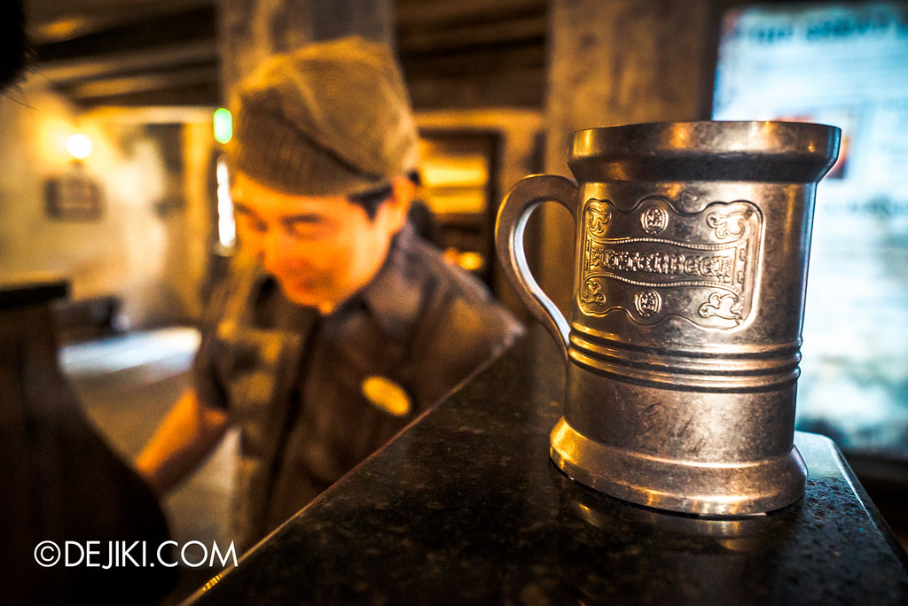 Universal Studios Japan - The Wizarding World of Harry Potter - Three Broomsticks restaurant, butterbeer mug