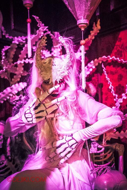 Halloween Horror Nights 6 - Hu Li's Inn / White Bone Spirit Throne