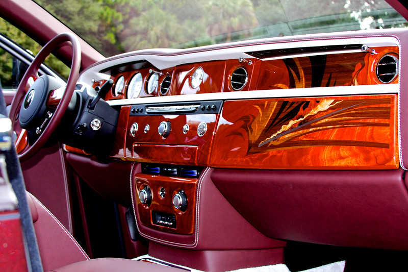 This is what the dash of a $640,000 Rolls looks like...