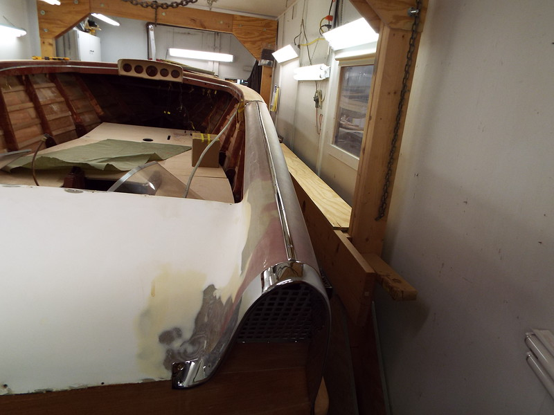 New stainless steel trim fit to the top of the starboard fin.